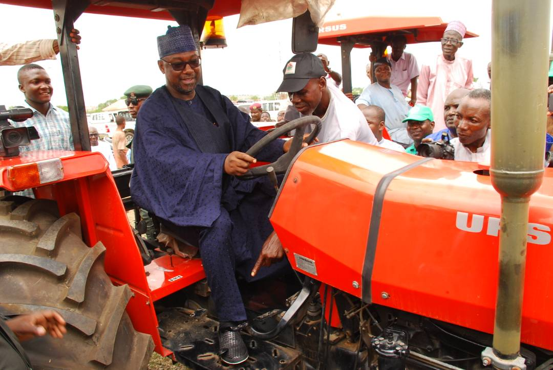 Niger govt. purchases N2.2bn tractors for 2018 farming season