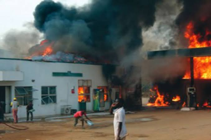 Buhari orders probe into Rivers gas pipeline explosion