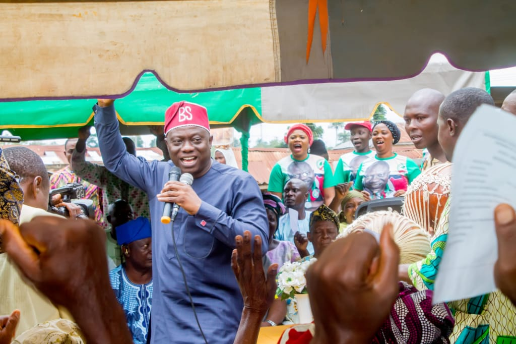 Hon. Bamidele Salam holds first constituency meeting, advises PDP members to remain resolute